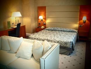 /ar-ae/hotel-perusia-la-villa/hotel/perugia-it.html?asq=jGXBHFvRg5Z51Emf%2fbXG4w%3d%3d