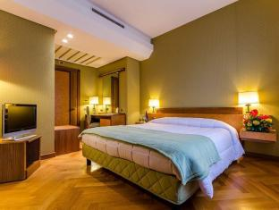 /el-gr/hotel-majestic/hotel/naples-it.html?asq=jGXBHFvRg5Z51Emf%2fbXG4w%3d%3d