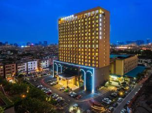 /de-de/jiagao-business-hotel/hotel/foshan-cn.html?asq=jGXBHFvRg5Z51Emf%2fbXG4w%3d%3d