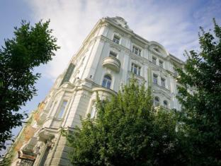 /cs-cz/mamaison-hotel-riverside-prague/hotel/prague-cz.html?asq=jGXBHFvRg5Z51Emf%2fbXG4w%3d%3d