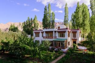 /da-dk/niri-la-ladakh-guest-house/hotel/leh-in.html?asq=jGXBHFvRg5Z51Emf%2fbXG4w%3d%3d