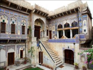 /ca-es/hotel-ramgarh-fresco/hotel/mandawa-in.html?asq=jGXBHFvRg5Z51Emf%2fbXG4w%3d%3d