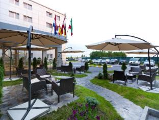 /el-gr/rin-airport-hotel/hotel/bucharest-ro.html?asq=jGXBHFvRg5Z51Emf%2fbXG4w%3d%3d