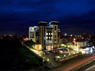 /da-dk/hotel-saffron-leaf/hotel/dehradun-in.html?asq=jGXBHFvRg5Z51Emf%2fbXG4w%3d%3d