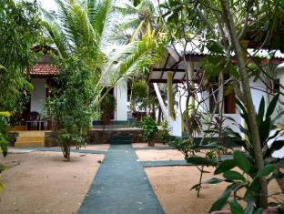/ar-ae/panorama-rock-cafe-hotel/hotel/tangalle-lk.html?asq=jGXBHFvRg5Z51Emf%2fbXG4w%3d%3d