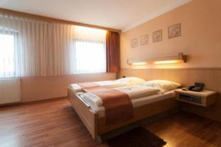 /et-ee/hotel-rothenburger-hof/hotel/rothenburg-ob-der-tauber-de.html?asq=jGXBHFvRg5Z51Emf%2fbXG4w%3d%3d