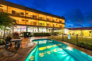 /bg-bg/camelot-motel/hotel/gladstone-au.html?asq=jGXBHFvRg5Z51Emf%2fbXG4w%3d%3d