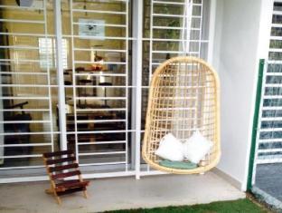 Mdm Tong Nilai Holiday Home