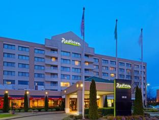 /ro-ro/radisson-hotel-seattle-airport/hotel/seattle-wa-us.html?asq=jGXBHFvRg5Z51Emf%2fbXG4w%3d%3d