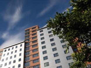 /th-th/aparthotel-roomzzz-leeds-city-west/hotel/leeds-gb.html?asq=jGXBHFvRg5Z51Emf%2fbXG4w%3d%3d