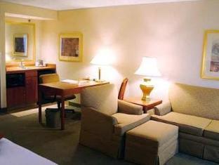 /cs-cz/hampton-inn-suites-by-hilton-windsor/hotel/windsor-on-ca.html?asq=jGXBHFvRg5Z51Emf%2fbXG4w%3d%3d