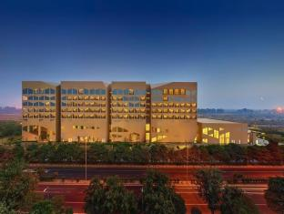 /lv-lv/vivanta-by-taj-dwarka-new-delhi-hotel/hotel/new-delhi-and-ncr-in.html?asq=jGXBHFvRg5Z51Emf%2fbXG4w%3d%3d