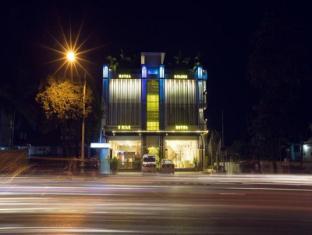 Royal Golden 9 Mile Hotel