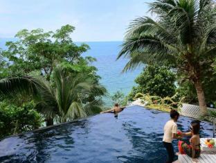 Blue Hill Resort