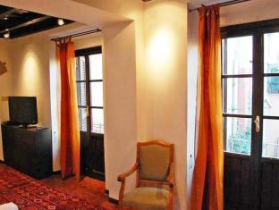Trastevere Enchanting Balcony 2 Bedroom Apartment