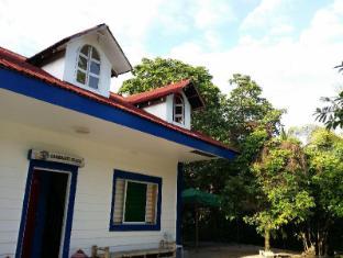 /ca-es/dona-choleng-camping-resort-cagbalete-island/hotel/mauban-ph.html?asq=jGXBHFvRg5Z51Emf%2fbXG4w%3d%3d