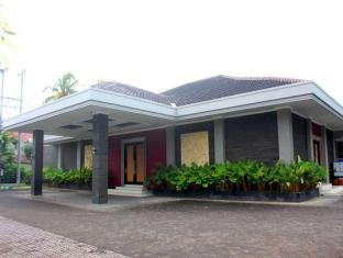 /da-dk/new-surya-hotel/hotel/banyuwangi-id.html?asq=jGXBHFvRg5Z51Emf%2fbXG4w%3d%3d