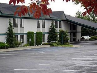 /ca-es/riverbend-inn-post-falls/hotel/post-falls-id-us.html?asq=jGXBHFvRg5Z51Emf%2fbXG4w%3d%3d