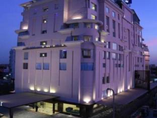 Souvenir Premier Hotel