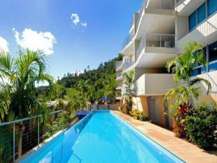 Azure Sea Grand Mercure Apartments