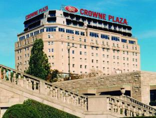/sv-se/crowne-plaza-hotel-niagara-falls-falls-view/hotel/niagara-falls-on-ca.html?asq=jGXBHFvRg5Z51Emf%2fbXG4w%3d%3d