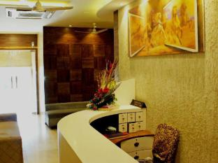 Stay Vista Rooms @ Marine Lines