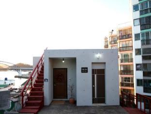 /cs-cz/hulhul-guesthouse-tongyeung/hotel/tongyeong-si-kr.html?asq=jGXBHFvRg5Z51Emf%2fbXG4w%3d%3d