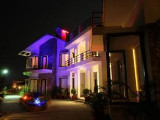 /cs-cz/corbett-solitaire-resort-spa/hotel/corbett-in.html?asq=jGXBHFvRg5Z51Emf%2fbXG4w%3d%3d