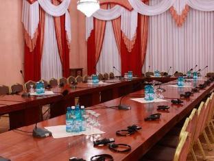/lv-lv/codru-hotel/hotel/chisinau-md.html?asq=jGXBHFvRg5Z51Emf%2fbXG4w%3d%3d