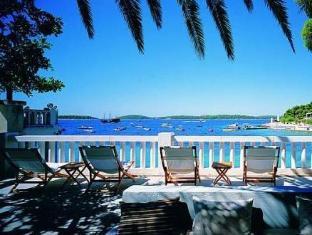 /ca-es/amfora-hvar-grand-beach-resort/hotel/hvar-hr.html?asq=jGXBHFvRg5Z51Emf%2fbXG4w%3d%3d