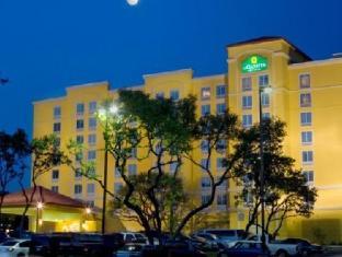 /ca-es/la-quinta-inn-suites-san-antonio-medical-center/hotel/san-antonio-tx-us.html?asq=jGXBHFvRg5Z51Emf%2fbXG4w%3d%3d