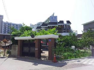/vi-vn/chodang-guesthouse/hotel/gangneung-si-kr.html?asq=jGXBHFvRg5Z51Emf%2fbXG4w%3d%3d