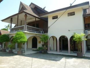 /ar-ae/desa-permai-rest-house/hotel/tanah-merah-my.html?asq=jGXBHFvRg5Z51Emf%2fbXG4w%3d%3d