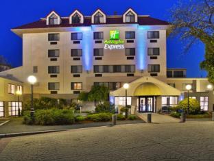 /ar-ae/holiday-inn-express-boston-waltham/hotel/waltham-ma-us.html?asq=jGXBHFvRg5Z51Emf%2fbXG4w%3d%3d