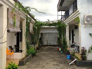 Magda House