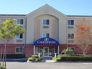 /ca-es/candlewood-suites-irvine-east-lake-forest/hotel/irvine-ca-us.html?asq=jGXBHFvRg5Z51Emf%2fbXG4w%3d%3d