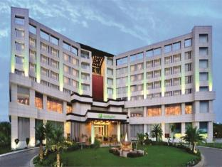 /ar-ae/holiday-inn-chandigarh-panchkula/hotel/panchkula-in.html?asq=jGXBHFvRg5Z51Emf%2fbXG4w%3d%3d