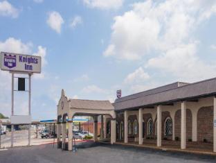 /cs-cz/knights-inn-nashville-downtown/hotel/nashville-tn-us.html?asq=jGXBHFvRg5Z51Emf%2fbXG4w%3d%3d