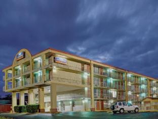 /cs-cz/howard-johnson-downtown-opryland/hotel/nashville-tn-us.html?asq=jGXBHFvRg5Z51Emf%2fbXG4w%3d%3d