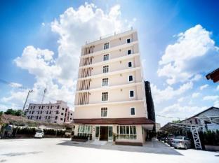 /cs-cz/p-a-thani-hotel/hotel/nakhon-sawan-th.html?asq=jGXBHFvRg5Z51Emf%2fbXG4w%3d%3d