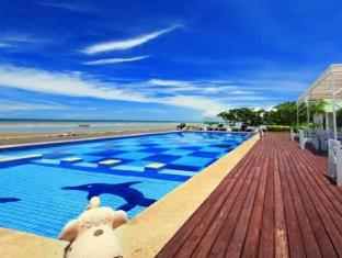 Sea Sky Resort